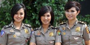 Briptu Eka Polisi Wanita