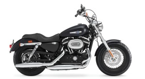 Harley-Davidson 1200 Custom, JKT 421 jt, BTM 285 jt