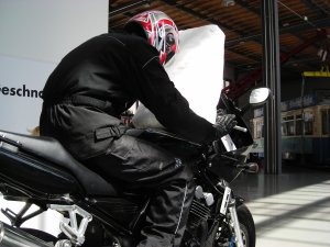Motorcycle Airbag 1 Singindo