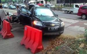 Mobil pejabat Dinas Kesehatan Pemprov DKI Jakarta