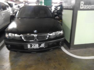 BMW 3xx E46 Nopol B239 JO (Pelaku penabrak)