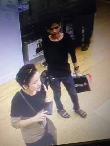 Foto ini diambil dari camera CCTV toko iBOX Mal Kelapa Gading