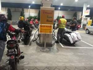 Foto Moge Serobot Antrean BBM di SPBU Mencuat