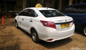 Taksi Express B 1698 KTH Ditembak Pengemudi Land Cruiser B 1 WTO di Mampang 3
