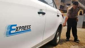 Taksi Express B 1698 KTH Ditembak Pengemudi Land Cruiser B 1 WTO di Mampang 4