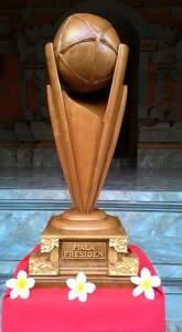 Tahukah Anda Bahwa Piala Presiden dari Kayu yang Dianggap Kuno Dihargai 270 Miliar 1