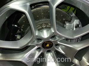 Lebih Dekat dengan Lamborghini Huracan di EM Auto Jalan Yos Sudarso Batam