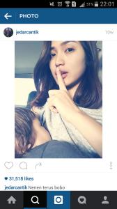 Tidak Mau Kalah dengan Celebrity Hollywood, Jessica Iskandar Ikutan Pamer Foto Menyusui