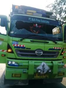Sopir Truk Koma Terkena Lemparan Batu di Banten