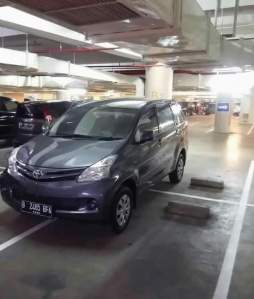 Wahai Pemilik Mobil B 2465 BFA… Kalau Parkir Jangan Kayak Jagoan Dong!