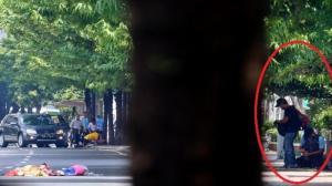 Fotonya Tersebar, Ini Tampang Pelaku Teror Bom Thamrin Tenteng Pistol 7