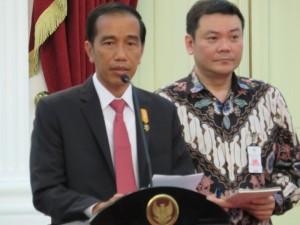 Jokowi Apapun Motifnya, Kita Kutuk Perbuatan Teror!