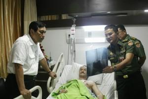 Luhut Anak Anggota Polisi yang Dirawat di Rumah Sakit Ingin Menjadi Polisi Seperti Ayahnya 03