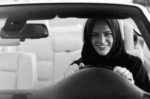 Diambang Krisis Ekonomi, Saudi Arabia Naikkan Harga BBM 50%