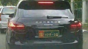 Gunakan Pelat Palsu, Pemilik Porsche Cayenne Ini Diburu Kopassus