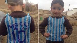"Misteri Bocah Pemakai ""Kostum"" Lionel Messi Terkuak!"