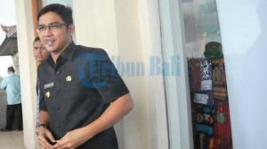 Merokok Seenaknya Di Toilet, Wabup Palu Pasha Eks Ungu Ditegur Petugas