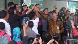 Slank Konser di Lobi KPK, Bawakan Lagu 'Seperti Para Koruptor' 3