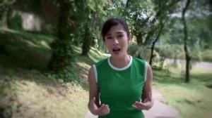 Video Dian Sastro Jogging dengan Temannya Banyak yang Gemes