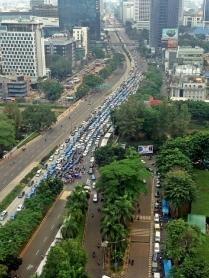 Himpunan yang Terserak dari Aksi Demo Ricuh Sopir Taksi