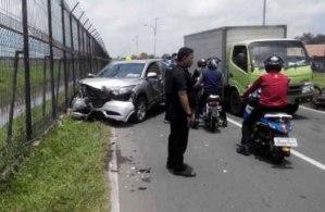 Anak Gubernur Banten Rano Karno Tabrak Taksi dan Motor di Bandara Soekarno-Hatta 1
