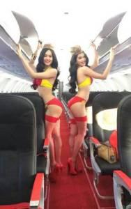 Bikini Show di Dalam Pesawat, Cuma ada di VietJet Air! 4