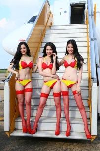 Bikini Show di Dalam Pesawat, Cuma ada di VietJet Air!