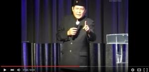 Junaedi Salat Bintang Film Ali Topan Anak Jalanan Hina Muslim Di Tanah Air