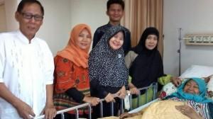 Hj. Tuty Alawiyah saat dirawat di RS MMC Jakarta sumber: news.detik.com
