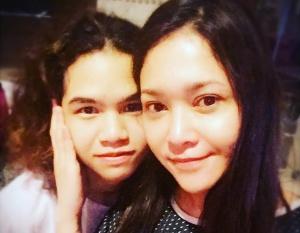 Wajah Tanpa Make Up Maia Estianty Saat Sahur Bikin Netizen Kepengen Jadi Anaknya