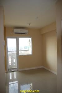 Living room dilihat dari pintu masuk