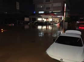 Jakarta Kebanjiran, di Riau Api Ngamuk
